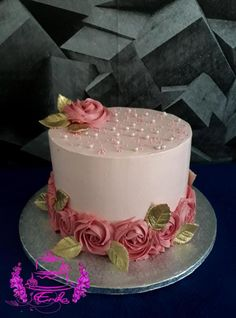 Cake Decorating Frosting, Cake Decorating Designs, Creative Cake Decorating, Cake Decorating Videos, Birthday Cake Decorating, Cake Decorating Techniques, Elegant Birthday Cakes, Beautiful Birthday Cakes, Elegant Cakes