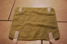If You Give a Girl a Needle: Steam Mop Pads from Towels (Quick and Easy Tutorial) Mop Pads, Steam Mop, 8 Months, Towels, Projects To Try, Outdoor Blanket, Easy, Pug, Hand Towels