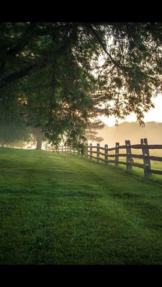 Nature pictures country scenery 47 Ideas for 2019 Country Fences, Country Roads, Rustic Fence, Beautiful Places, Beautiful Pictures, Nature Pictures, Foggy Morning, Morning Light, Early Morning