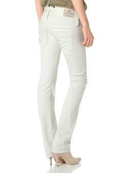 Produkttyp , Gerade Jeans, |Materialzusammensetzung , Obermaterial: 98% Baumwolle, 2% Elasthan, |Material , Jeans, |Farbe , Dirty-Used, |Herstellerfarbbezeichnung , dirty white, |Beinform , Gerade, |Passform , Normal, |Stil , Casual, |Optik , Dirty, |Bund + Verschluss , Reißverschluss, |Saum , durchgesteppt, |Leibhöhe , Niedrig, |Vordertaschen , Runde Eingriffstaschen, |Gesäßtaschen , Mit aufge...
