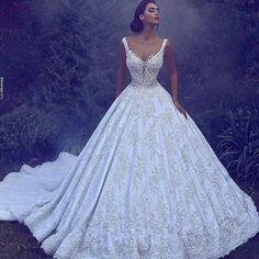 #vestido #vestidos #vestidodenoiva #vestidodenovia #vestidodecasamento #noiva #noiva #casamento #vestidodeluxo #vestidobranco #vestidodebutante #dress #dresses #luxurydress #wedding #whitedress #whitedress #bride #brides #bridedress #bridesmaid #bridesmaids