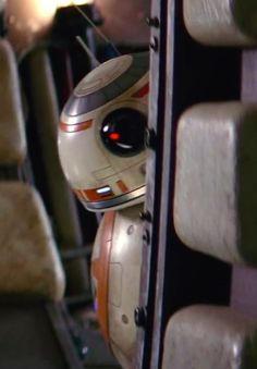 New droïde BB-8 - Star Wars Episode VII The Force Awakens @ Walt Disney Pictures / Lucasfilm #bb-8 #spherobb8 #bb8 #starwars #friki