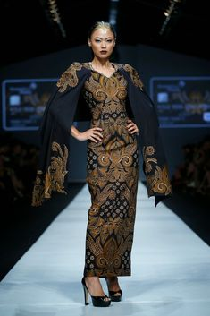 Dewi Fashion Knights 2014 : Hasta Brata Collection By Iwan Tirta