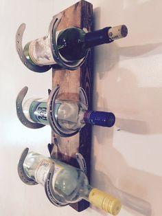 Wine rack Reclaimed Horse Shoes scrap wood by LouisvilleUpcycle(Diy Furniture Ideas) Horseshoe Projects, Horseshoe Crafts, Horseshoe Art, Diy Wood Projects, Woodworking Projects, Woodworking Videos, Teds Woodworking, Old Wine Bottles, Wine Bottle Rack
