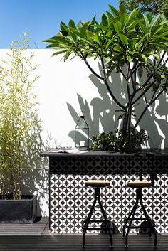 West Leederville Renovation by Studio Atelier - Outdoor courtyard breakfast bar with encaustic feature tiles