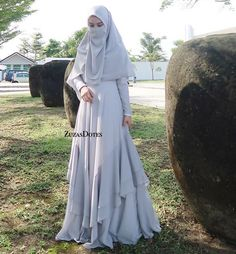 Pinned By Pinogram Niqab Fashion, Batik Fashion, Muslim Fashion, Abaya Designs, Batik Mode, Hijab Gown, Muslimah Wedding, Long Midi Dress, Abaya Mode