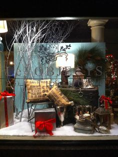 Holiday Window display at Le OBJECTS designed by Timothy De Clue Design  www.Timothydecluedesign.com