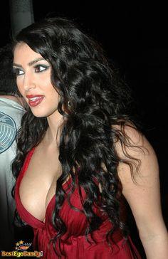 Kim Kardashian Makeup Kim Kardashian Makeup Looks, Kim Kardashian Hair, Sexy Body, Hair Makeup, Beautiful Women, Glamour, Long Hair Styles, Female, Brownies