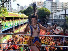 Carnaval 2014, Salvador - Babado Novo se apresenta no Campo Grande com a cantora Mari Antunes (Foto: Diogo Macêdo/ Ag Haack)