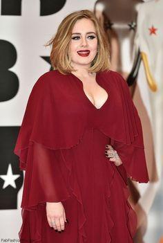 Adele in Giambattista Valli burgundy dress at 2016 BRIT Awards (February Florence Welch, Adele And Her Husband, Adele Photos, Adele Pictures, Brit Awards 2016, Adele Adkins, Rihanna, Elle Style Awards, Celebrity Red Carpet