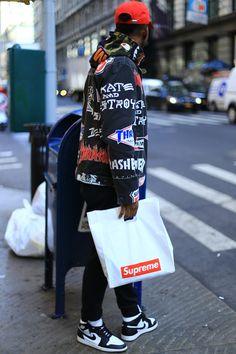 Essential. #streetstyle happens