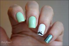Mary Monkett: Nailstorming - Mustache nails