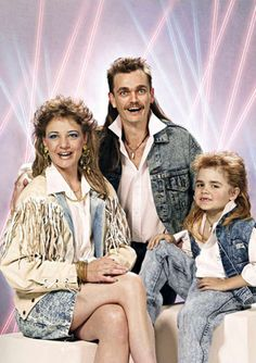 Retour sur les looks effroyables des années 80 http://www.minutebuzz.com/mode--retour-sur-des-looks-effroyables-dans-les-annees-1980
