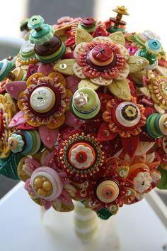 bouquet sposa con fiori di feltro