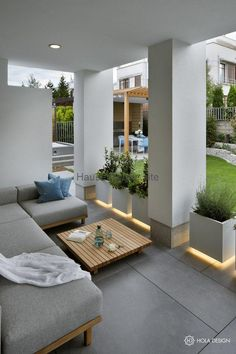 Vorgarten Gestalten How to arrange a terrace overview of the most interesting products from fabrics Home And Garden, House Design, Garden Design, Balcony Decor, Home, House Exterior, Patio Design, Yellow Decor Living Room, House Colors