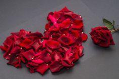 O coração vermelho com aumentou Imagens de Stock
