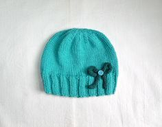Nuckin' Futs Knitter: Ribbed Hat With Bow Pattern