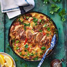 Fläskfilégratäng med potatis - recept | Mitt kök Ost, Paella, Food And Drink, Dinner, Cooking, Ethnic Recipes, Recipes, Red Peppers, Chef Recipes