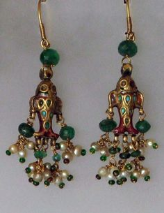 A pair of Ear Ornaments from Lucknow, Uttar Pradesh, North India+++. Gold, Enamel, Turquoise, Glas and Pearls+++ 19th century+++ More items on my website www.m-beste.de