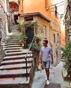 Vernazza, Italy. Cinque Terre National Park --  Adam Gallagher (@iamgalla) • Instagram photos and videos