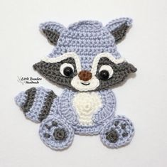 "Little Bamboo Handmade op Instagram: ""🐾🦝Raccoon Alert! He might look cute, but he is aiming at your trash can 😝 Raccoon applique pattern is now available in my shops. Link in…"""