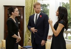 Meghan Markle Photos Photos: The Duke And Duchess Of Sussex Visit New Zealand - Day 1 Prince Harry Photos, Prince Harry And Megan, Prince Henry, Harry And Meghan, Meghan Markle Photos, Navy Cocktail Dress, Visit New Zealand, Prinz Harry, London Today