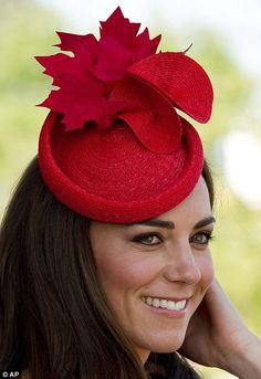 Kate's looks stunning in this fabulous hat by Lock and Co and I'm in a vintage piece. Kate Middleton Wears a Red Fascinator. Kate Middleton Prince William, Prince William And Kate, William Kate, Estilo Kate Middleton, Kate Middleton Style, Pippa Middleton, Princesa Kate, Duchesse Kate, Queen Hat