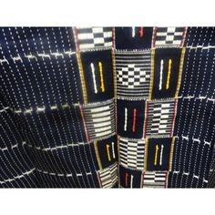 Pagne Khorogolais tissé à Waragnéré / Traditional cloth from Khorogo (Ivory Coast )hand woven by locals of Waragnéré African Theme, Ivoire, Textiles, Traditional, South Africa, Fabric, Clothes, Check, Fashion