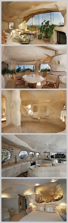 A cave house! Earthship Home, Interior And Exterior, Interior Design, Tadelakt, Underground Homes, Natural Homes, Unusual Homes, Earth Homes, Natural Building