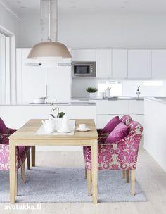 Valkoinen keittiö   Avotakka