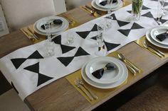 Vous avez besoin d'idées de pliage serviette papier pour la décoration de table ? Nous vous proposons 50 idées et modèles pour toutes les occasions !