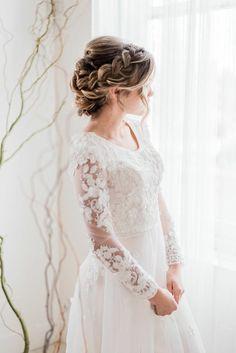 Stunning Wedding Dresses, Princess Wedding Dresses, Modest Wedding Dresses, Wedding Dress Styles, Bridal Dresses, Bridal Poses, Bridal Portraits, Wedding Goals, Wedding Day