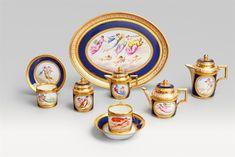 A Berlin KPM porcelain tête à tête with flying Genii - Lot 116 Michelangelo, Berlin, Kobalt, Coffee Service, China Sets, Dinner Sets, Cup And Saucer Set, Tea Set, Tea Cups