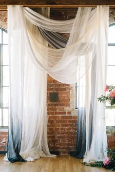ombre ceremony backdrop