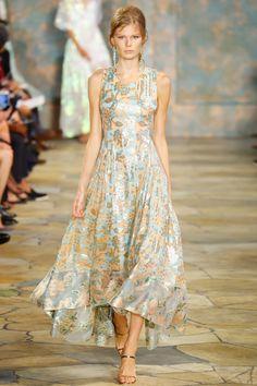 Tory Burch Spring 2016 Ready-to-Wear Fashion Show - Alexandra Elizabeth