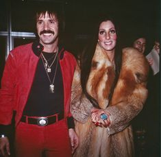 Get fashion inspiration from these iconic Cher outfits. We anticipate vintage western wear to be a hot commodity during this year's NFR. Cher Costume Halloween, Halloween Inspo, Halloween 2014, Couple Halloween, Scary Halloween, Halloween Party, Sonny And Cher Costumes, Cher Photos, Films