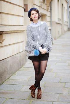 Juliette - Kitsch is my middle name - Blog Mode - Rennes Manteau, Kookai Beret, Galeries Lafayette Chemise, Zara Pull, Cop.Copine Short, Cop.Copine Sac, Asos Pompon, La Maison du Parfum Bottines, Zara