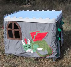 Card Table Castle Playhouse – ooooh yes, with turrets and a dragon! Pvc Playhouse, Card Table Playhouse, Kids Indoor Playhouse, Castle Playhouse, Playhouse Ideas, Indoor Playground, Diy Gifts For Kids, Diy For Kids, Pvc Tent