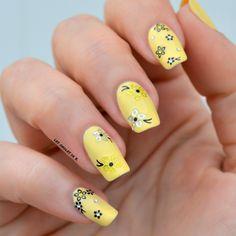 Stickers Nail Art pour ongles par Les ongles de B. pour Kit-Manucure.com : http://www.kit-manucure.com/409-stickers-fleurs-differents-modeles-a-strass-de-couleur.html