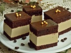 Un desert delicat, cu blat de cacao si cafea pufos si umed, il obtineti preparan… – Food: Veggie tables Sweet Recipes, Cake Recipes, Drink Recipes, Romanian Food, Fudge Cake, Polish Recipes, Food Cakes, Cacao, Homemade Cakes