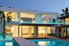 The 4 benefits of owning a multi-level house. Check out this multi-level house on Mallorca: E&V ID W-00AB30!