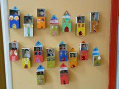boites de présence: boites d' allumettes transformées en maison.  La maison est ouverte si l'enfant est présent en classe