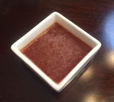 Japanese Ginger Dipping Sauce This is a classic take on the typical Japanese steak house ginger sauce used for hibachi veggies and seafood. I could eat it on a shoe so experiment with it and enjoy. Japanese Steak Sauce Recipe, Japanese Ginger Sauce, Steak Sauce Recipes, Hibachi Steak, Hibachi Shrimp, Hibachi Recipes, Beste Brownies, Gastronomia, Sauces
