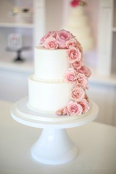 Classic buttercream pearls and pink flowers cascade