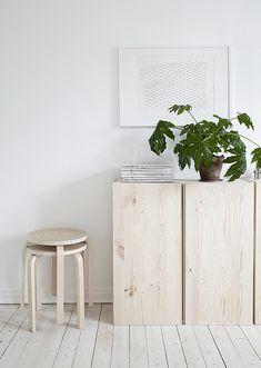 IVAR kasten | Deze pin repinnen wij om jullie te inspireren! #IKEArepint #IKEA #IKEAnl #woonkamer #hout #wit #kast