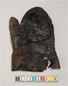 Leather mittens, ca 1375 at the Historiska Museet (Sweden) Swedish History Museum website: http://www.historiska.se/home/