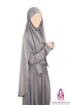 A long hijab, like khimar resembling the cloak of a jilbab Abaya Style, Muslim Dress, Islamic Fashion, Hijab Styles, Abaya Fashion, Beautiful Hijab, Mode Hijab, Niqab, Woman Clothing