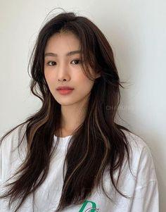Long Hair With Bangs, Haircuts For Long Hair, Long Hair Cuts, Hairstyles With Bangs, Asian Hair With Bangs, Long Asian Hairstyles, Medium Asian Hair, Korean Long Hair, Korean Hair Color