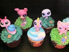 Google Image Result for http://www.thecupcakeblog.com/wp-content/uploads/2011/12/Littlest-Pet-Shop-Cupcakes.jpg