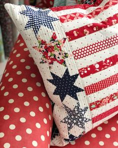 Patchwork Stars and stripes Flag Quilt, Patriotic Quilts, Patriotic Crafts, Patriotic Decorations, Quilt Blocks, Tie Quilt, Blue Quilts, Small Quilts, Mini Quilts
